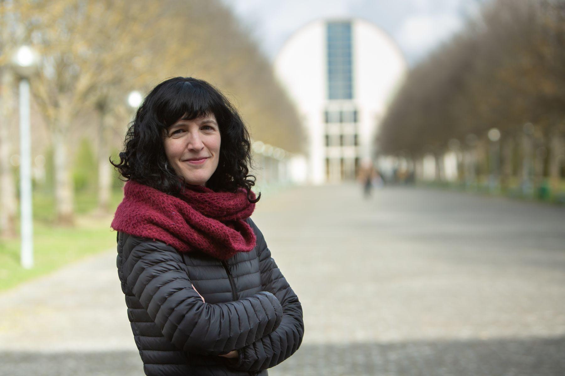La bióloga Maite Martínez Aldaya, investigadora del Instituto IS-FOOD de la UPNA, en el campus de Arrosadia en Pamplona