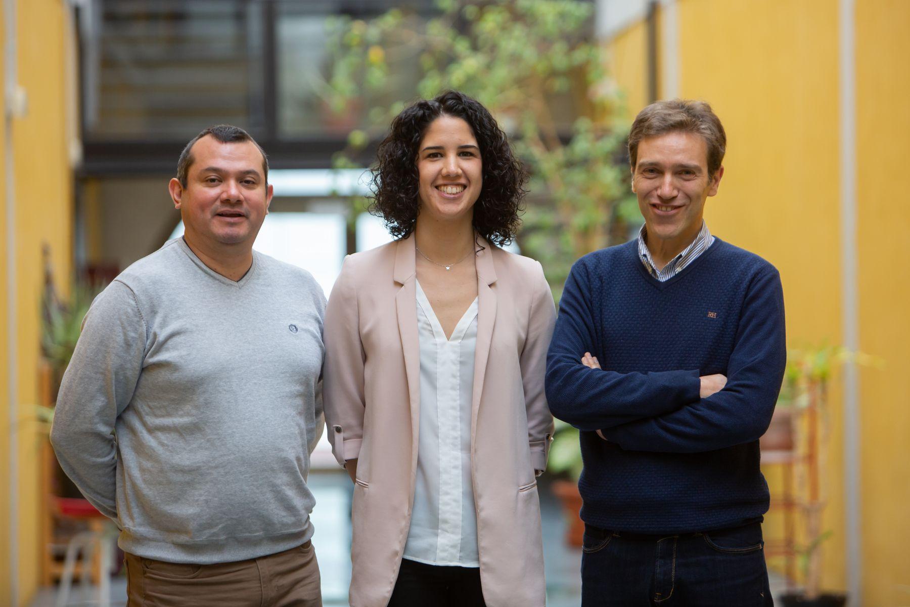 Investigadores participantes en el proyecto. De izq. a dcha.: Carlos A. De la Cruz Blas, María Pilar Garde Luque y Antonio López Martín.