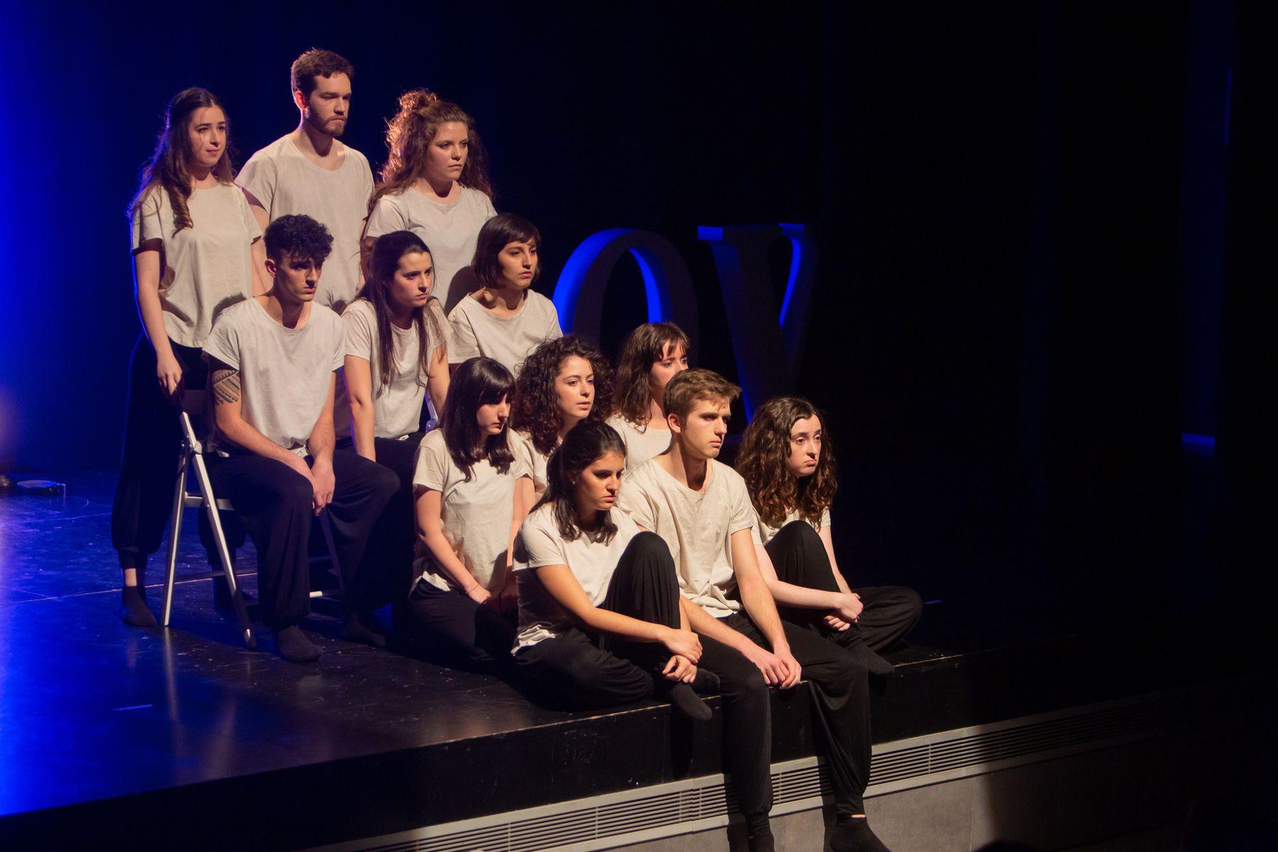 """Un momento del montaje """"Algún amor que no mate"""", del Grupo de Teatro de la UPNA."""