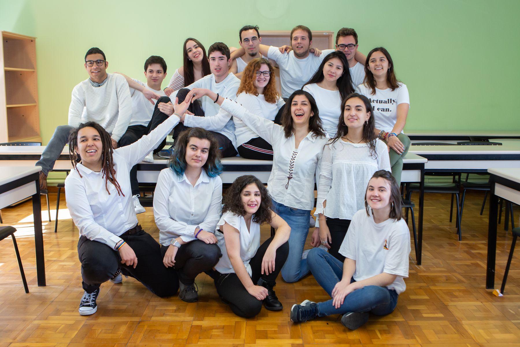 El Grupo de Teatro de la UPNA, durante un ensayo en el campus de Arrosadia.