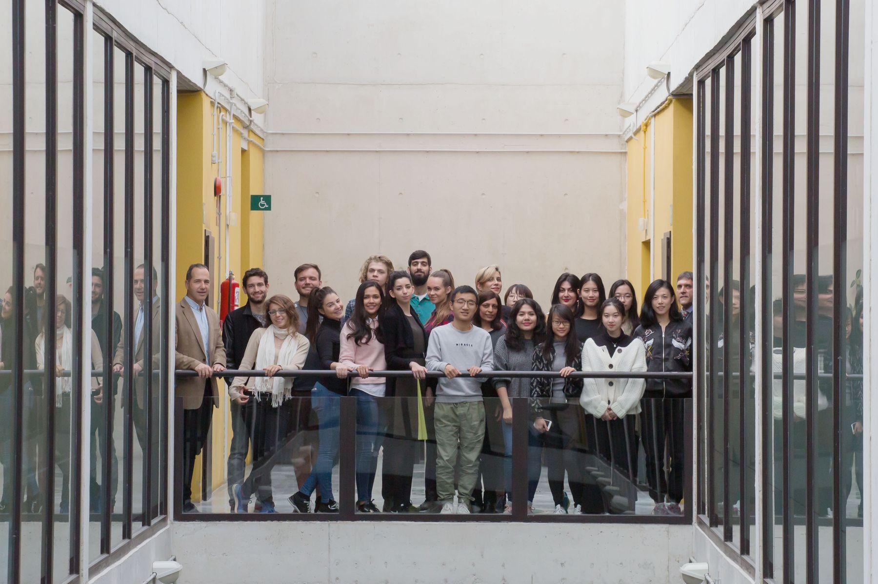 Foto de grupo de alumnado y responsables del Máster en Gestión de Empresas.