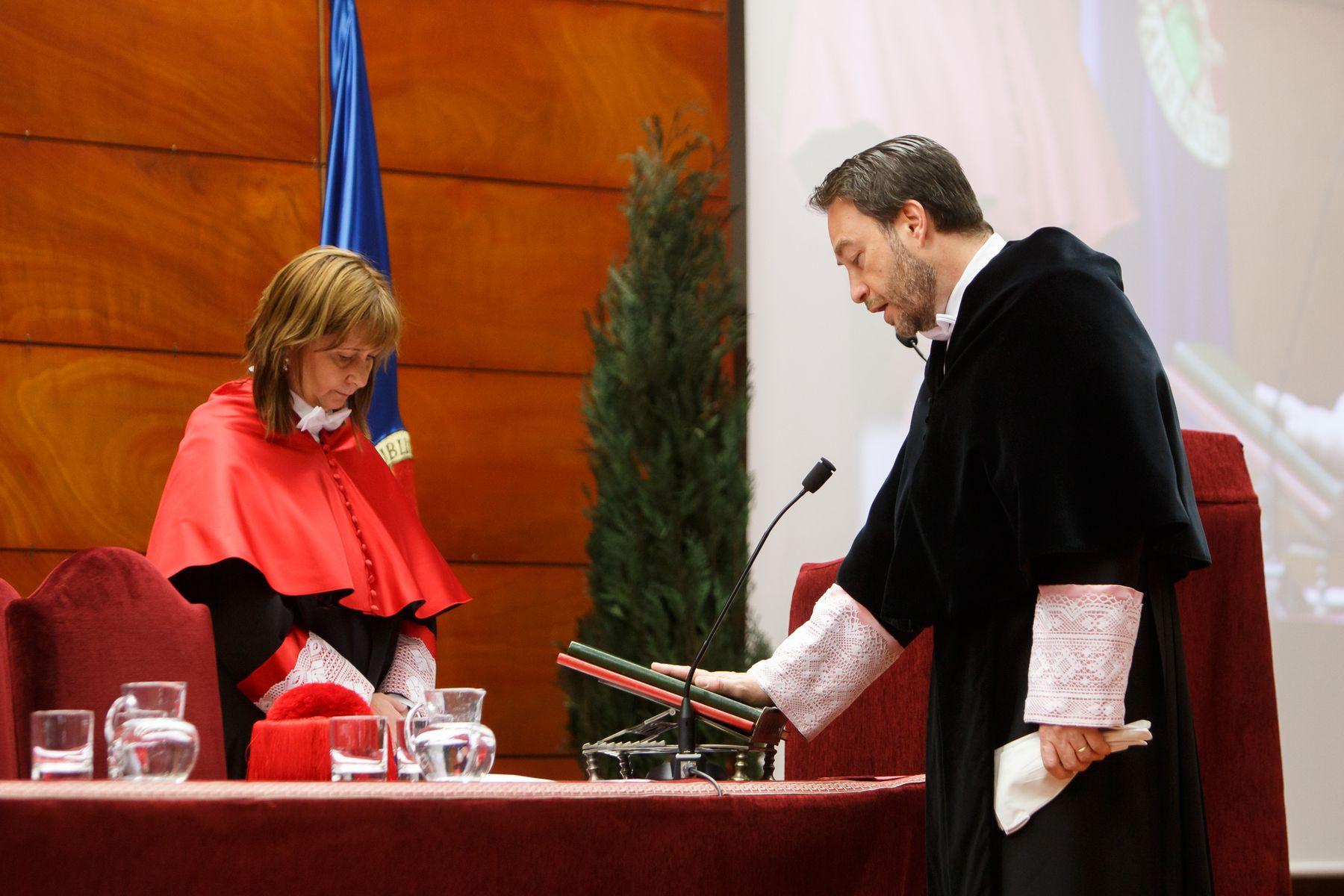 Ramón Gonzalo jura el cargo.