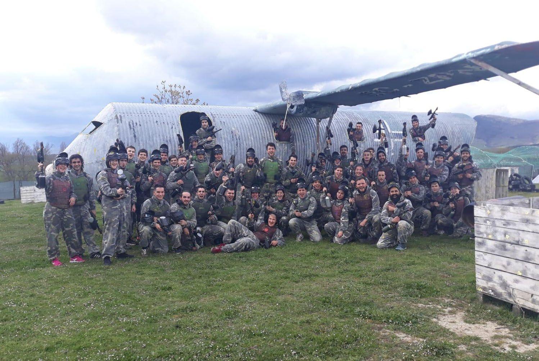 """Imagen de los participantes en la actividad de """"paintball"""", celebrada en Berrioplano"""