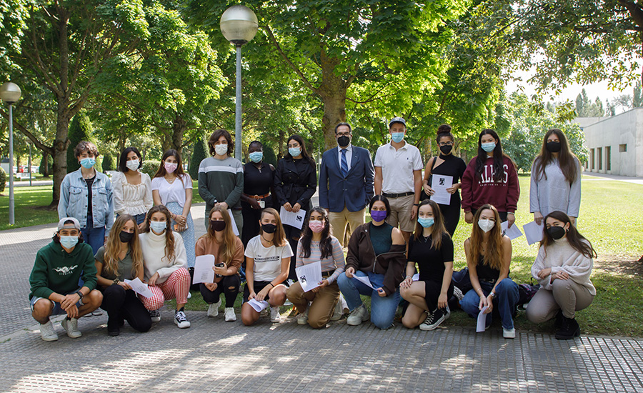 Grupo alumnos y profesor
