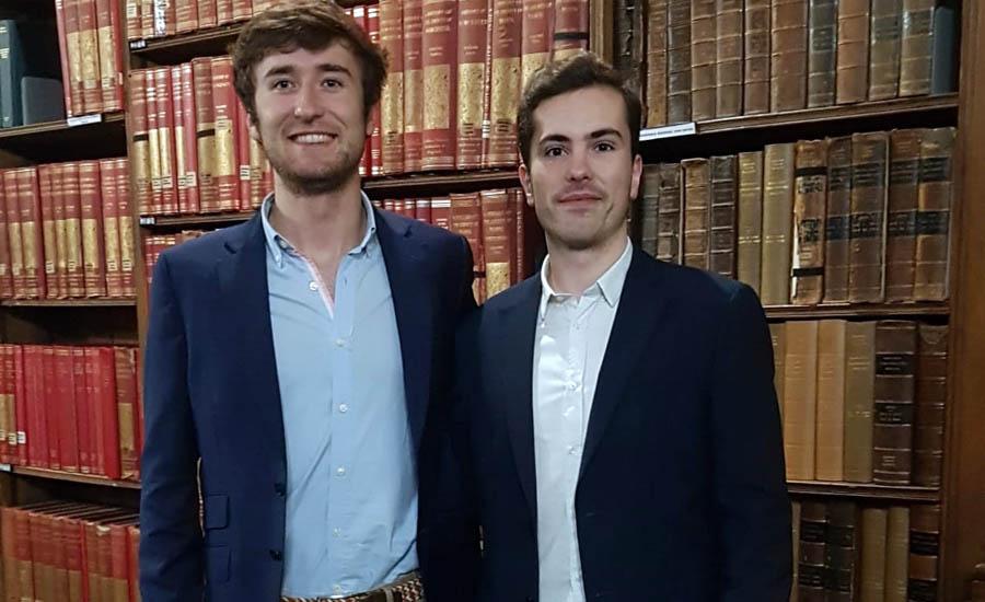 """Los estudiantes de la UPNA Íñigo de Carlos y David Garciandía, únicos participantes de habla hispana en el campeonato de debate """"Oxford IV"""""""