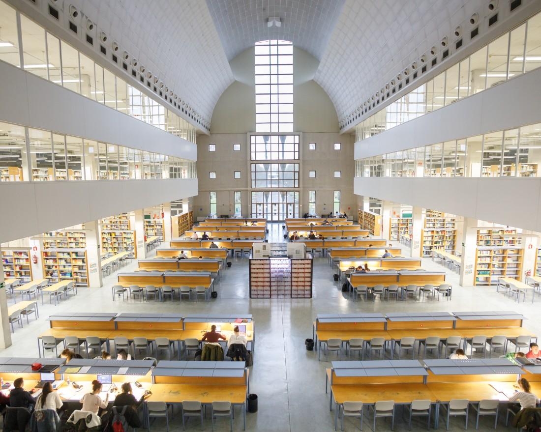 http://www2.unavarra.es/gesadj/seccionActualidad/Web/FotosNoticias/2020-08_FotosNoticias/biblioteca_port.jpg