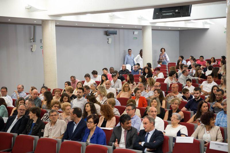 Público asistente al acto, celebrado en el Salón de Actos del campus de Tudela