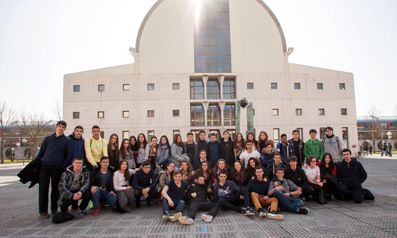 Colegio Luis Amigó (Mutilva Baja, Navarra).