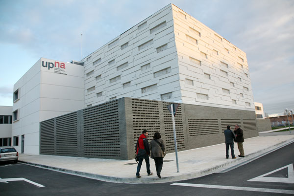 Imagen del exterior del Campus de Tudela.