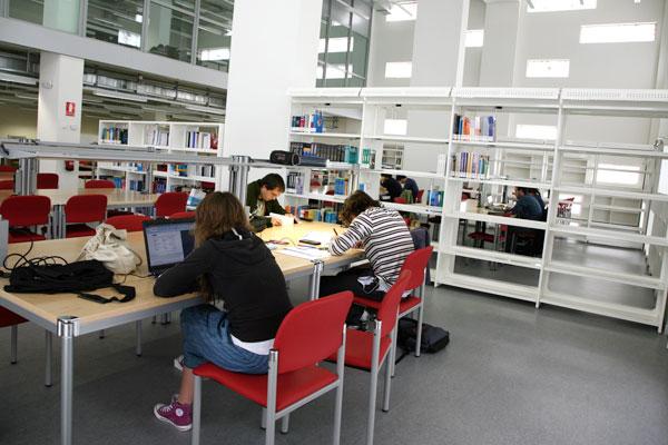Biblioteca del Campus de Tudela.