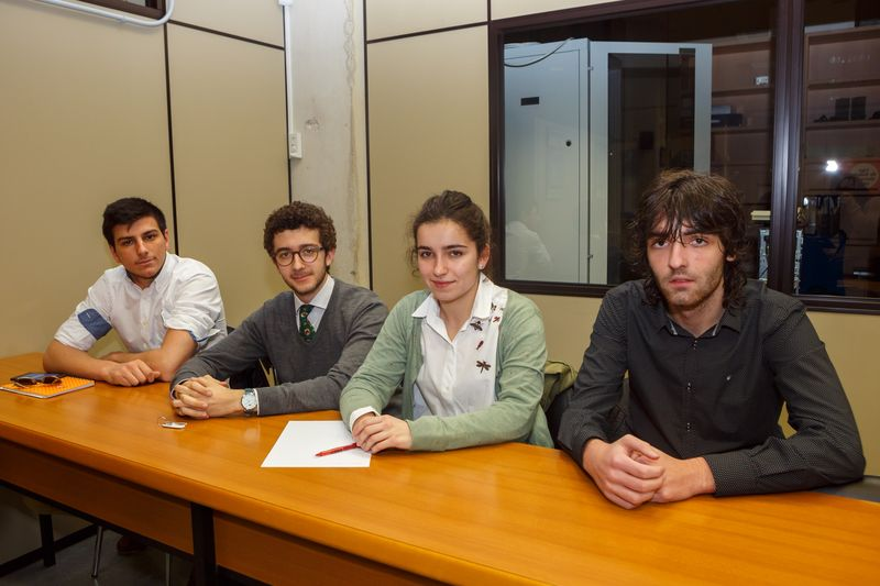 Equipoa formado por Juan Segundo Gutiérrez Ruiz, Iñigo Jiménez Jaunsarás, Alfonso Urrizburu Santos e Irene Miquélez Madariaga (segundo clasificado).