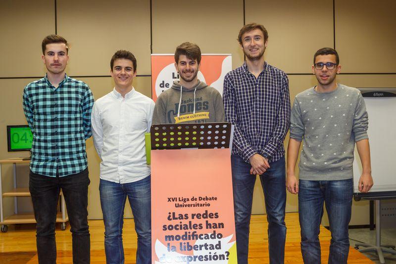 Equipo ganador del torneo formado por Raúl Lecumberri Morato, Iñigo De Carlos Artajona, Jesús Mariano Vidán Peña, Marcos Vicente Aranguren y David Garciandía Igal.
