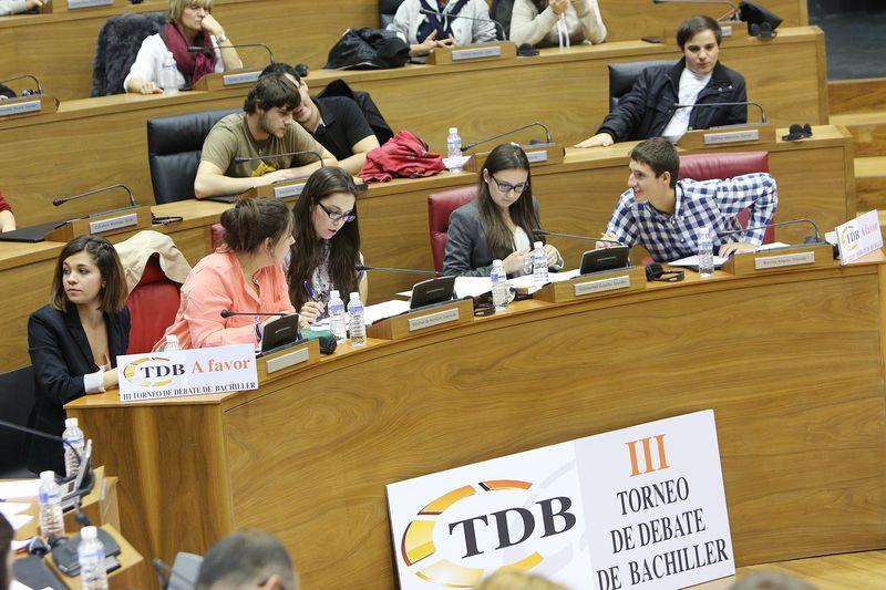 El equipo de San Ignacio, en la final celebrada en el Parlamento de Navarra