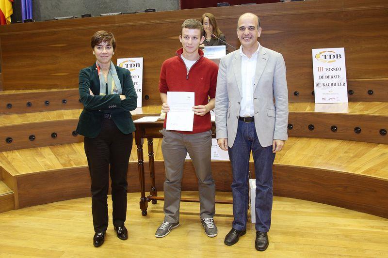 Andrés Turiel Miranda, premio al mejor orador del III Torneo de Debate de Bachillerato