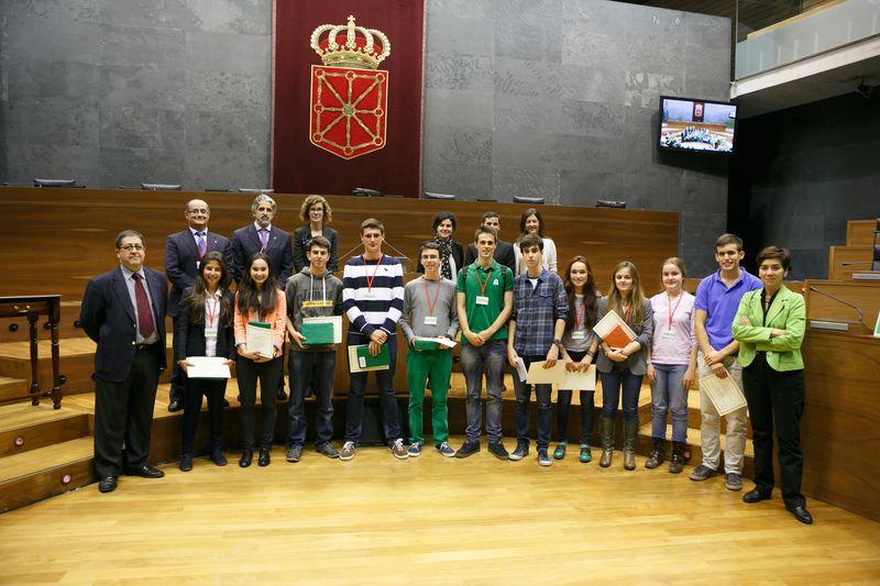 Foto final del Torneo, con los ganadores y el Jurado